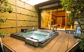 全室源泉かけ流し露天風呂付き。